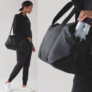 Lululemon Fast Track Black Duffle Bag Travel Gym